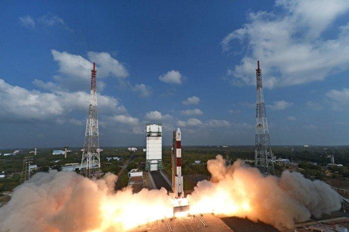 запуск 104 спутников