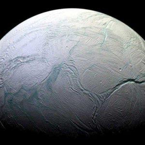 Есть ли жизнь на спутнике Сатурна Энцеладе?
