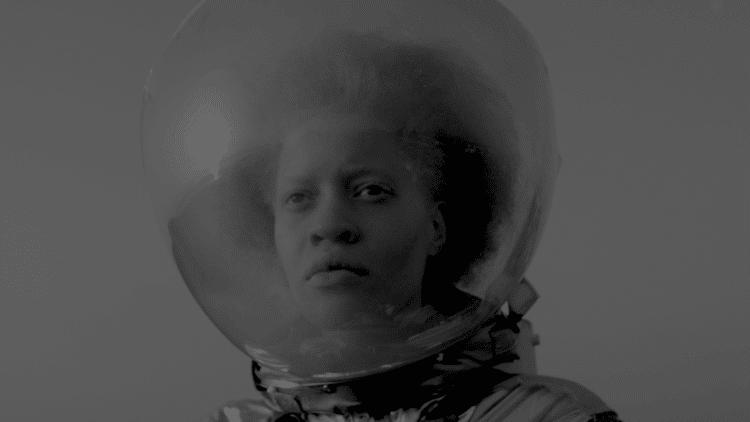 Африканская девушка - Афронавт.
