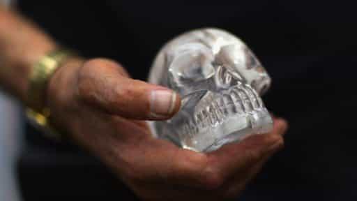 поддельные хрустальные черепа