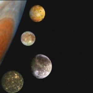 Сатурн - возможный отец галилеевых спутников
