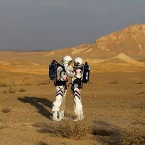 Как добраться до Марса и не сойти с ума?
