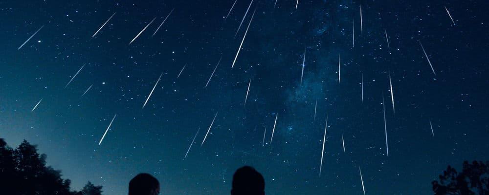 Геминиды в ночном небе