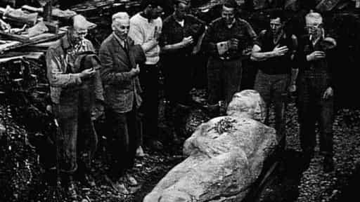 фальшивые великаны мумии